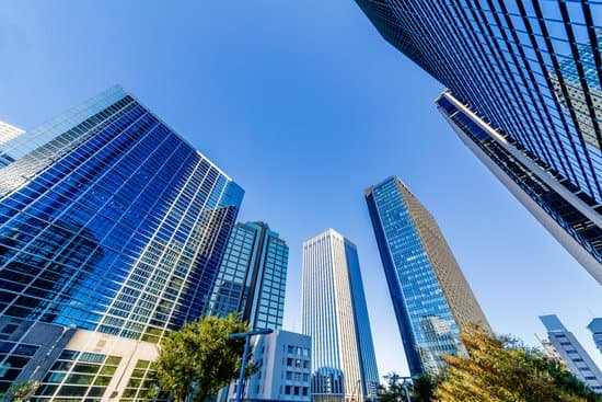 CORPORATE REAL ESTATE MANAGEMENT DURING THE COVID-19 CRISIS AND BEYOND